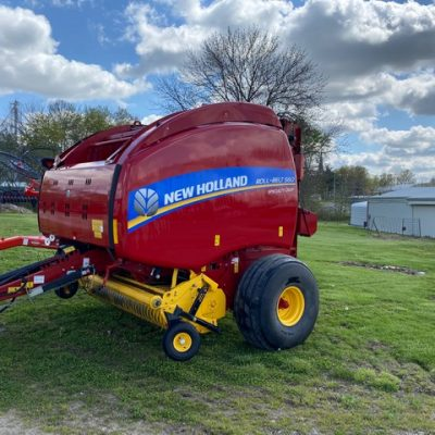 Used 2015 New Holland Roll Belt 560 Specialty Crop BALER